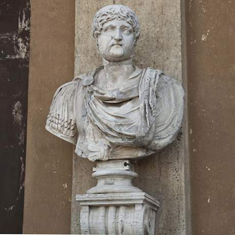 Balcony statue Vatican Museums