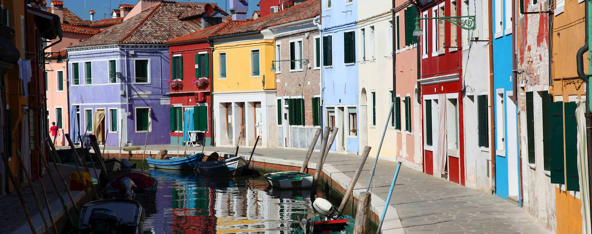 Venetian Islands Tour: Murano Glassblowing & Burano Lacemaking