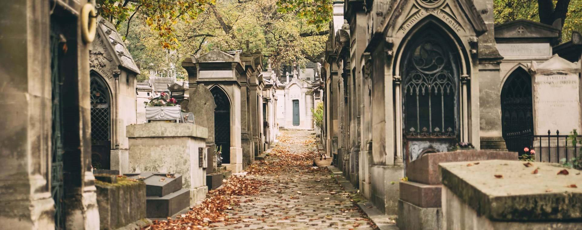 Famous Paris Graves: The Pére Lachaise Cemetery