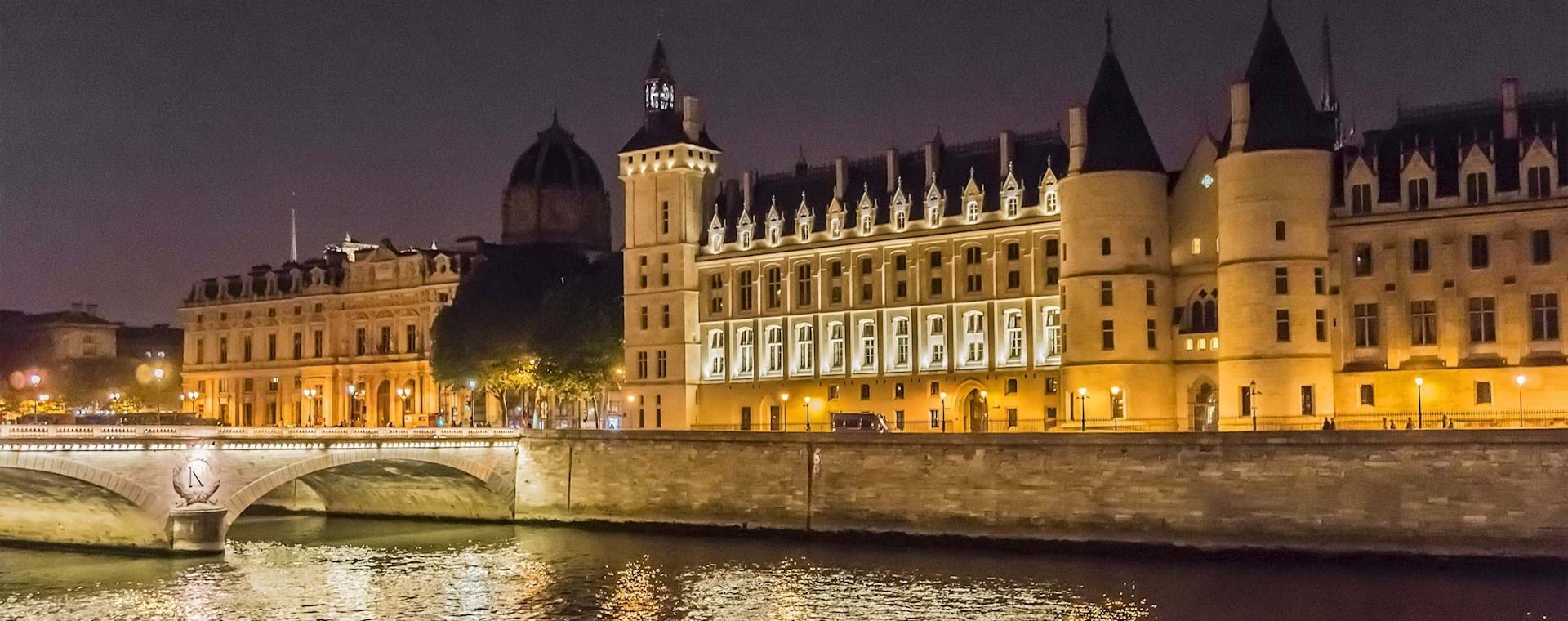 Paris Ghost, Legends and Mysteries Tour