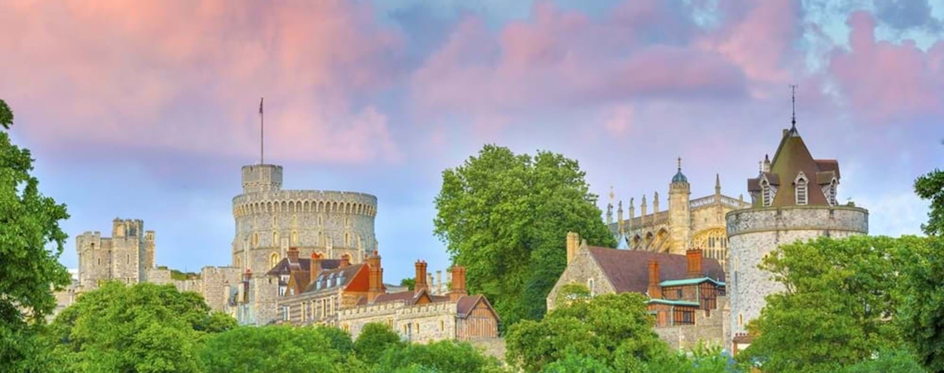 Windsor Castle from London by Train: Semi-Private Express Tour