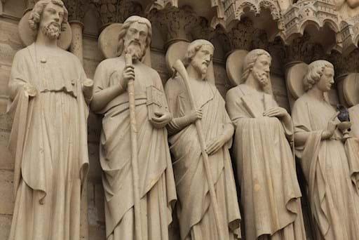 saints sculptures of Notre Dame