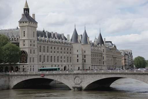 conciergerie river view