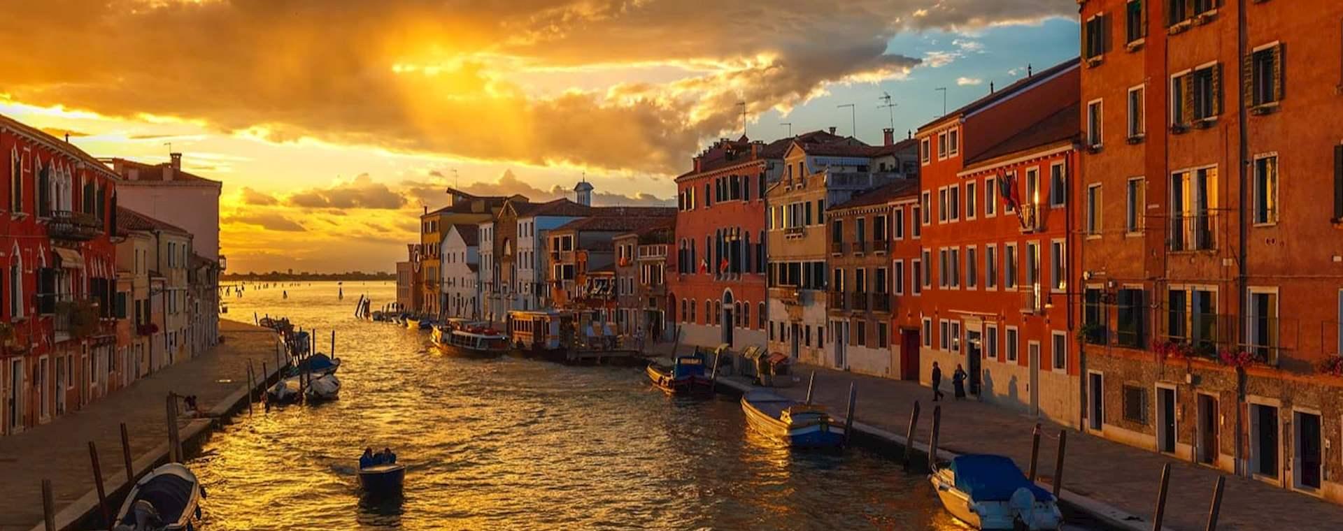 Wine & Cicchetti Tasting Tour through Venice's Jewish Ghetto