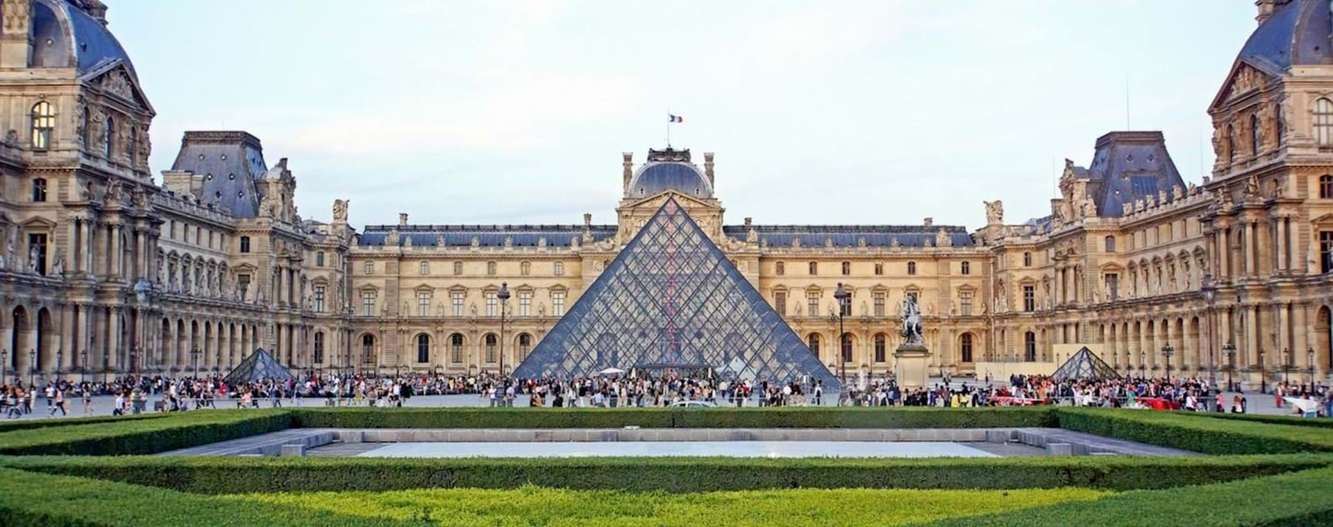 Semi-Private Best of Louvre Masterpieces Tour with Mona Lisa