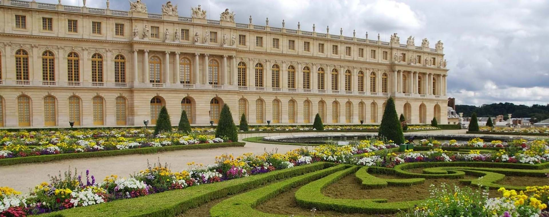 Versailles Palace & Gardens Tour with Fountain Show from Versailles