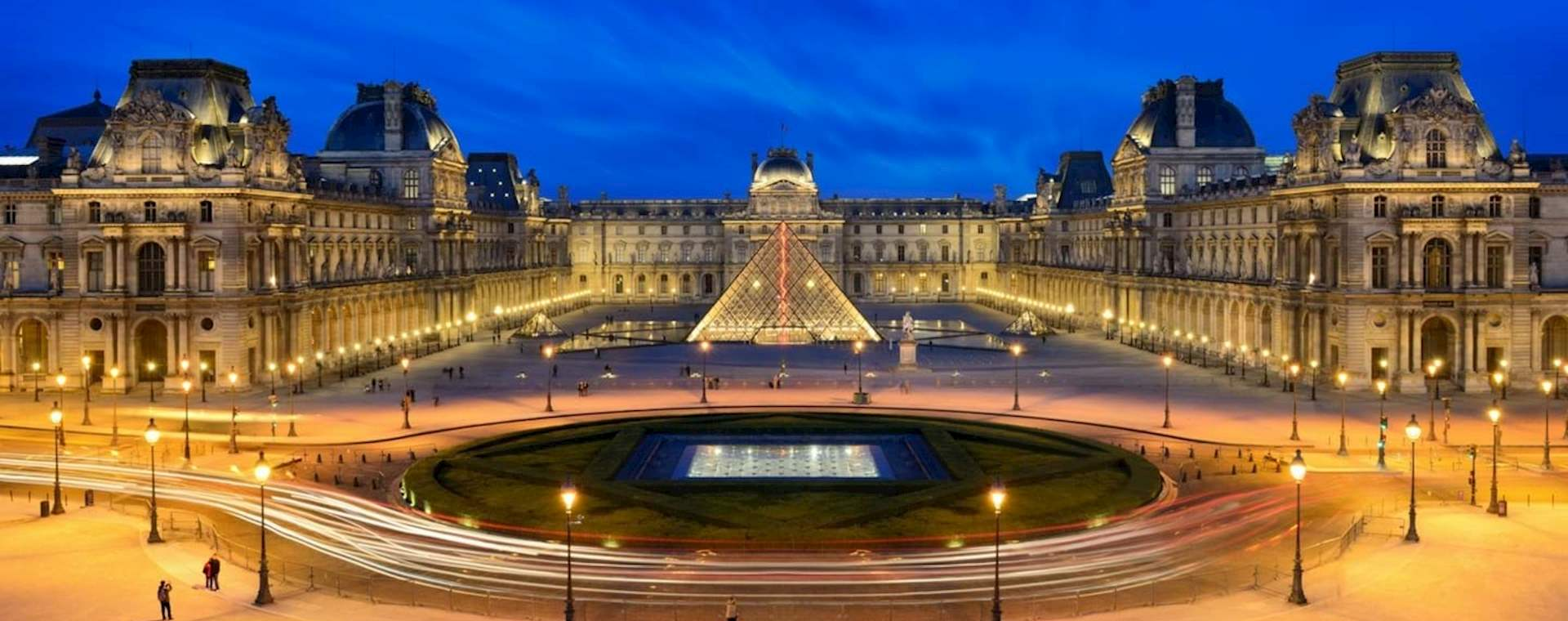 VIP Louvre Highlights and Wine Tasting Evening Tour with Labeling Experience