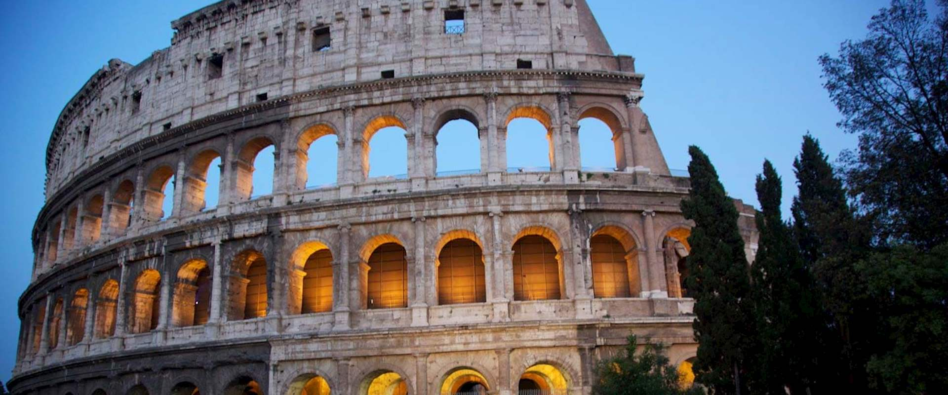 Colosseum Night Tour Amp Ticket Expert Guides City Wonders