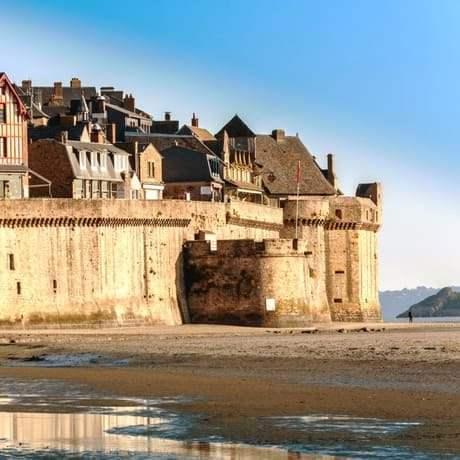 mont saint michel day trip tour from paris city wonders city wonders. Black Bedroom Furniture Sets. Home Design Ideas