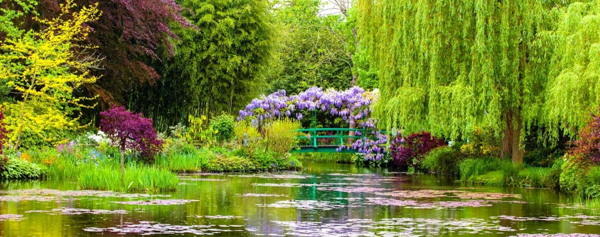 Full Day Monet's Giverny & Versailles Palace Tour with Fountain Show from Paris