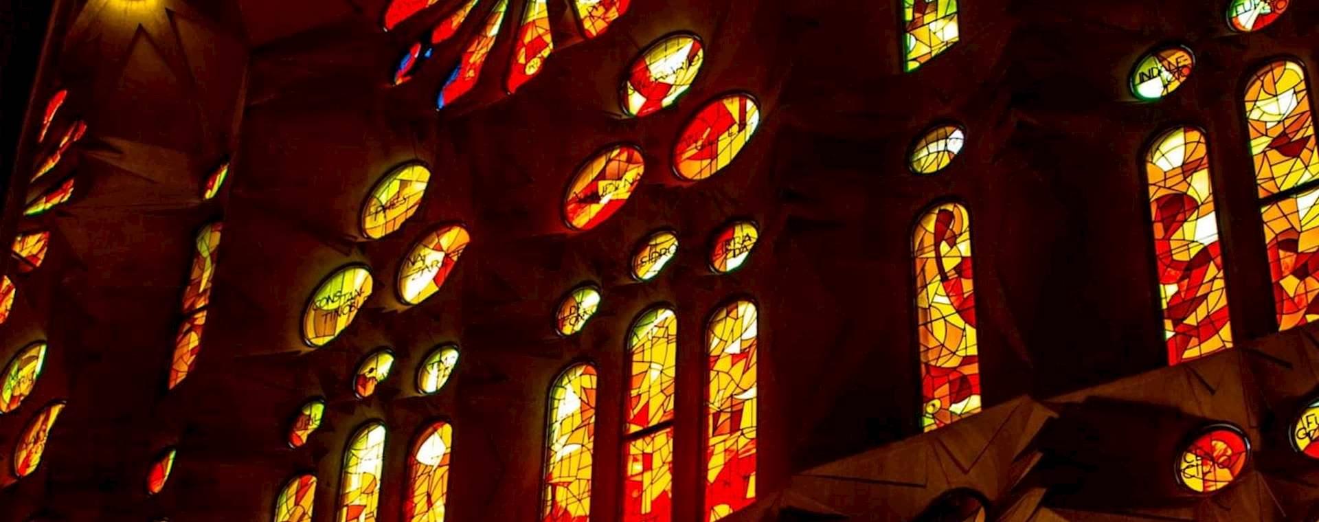 Sagrada Família Express Tour with Tower Access