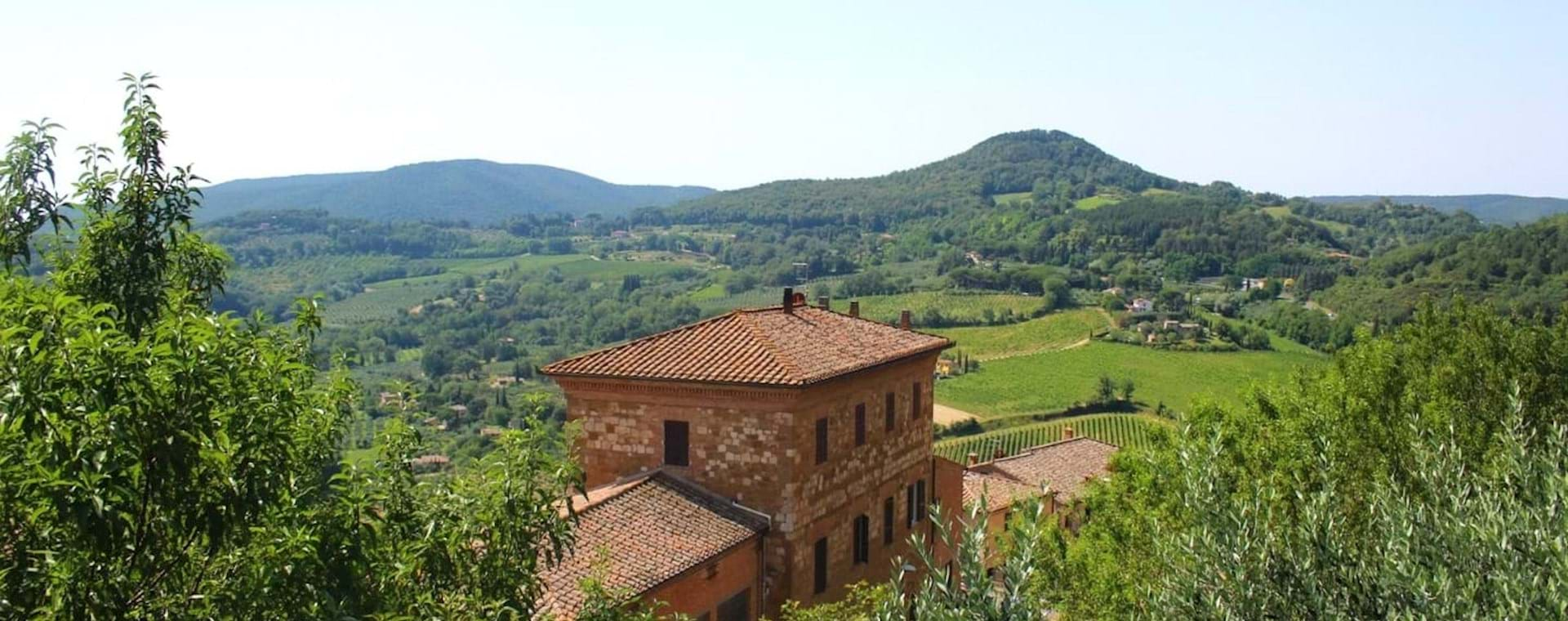 Tuscan Countryside Day Trip from Rome with 3-Course Lunch & Wine Pairing