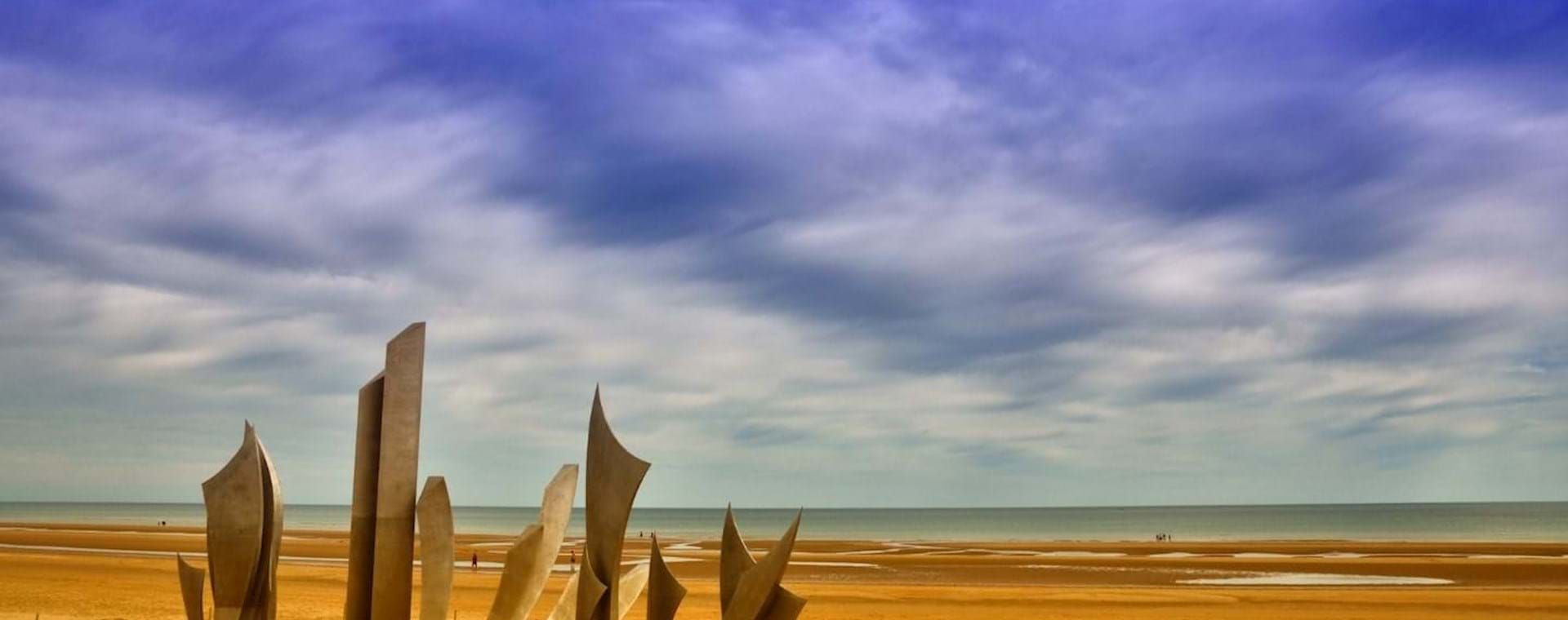 Guided Day Trip: D-Day Beaches of Normandy Tour with Authentic Lunch