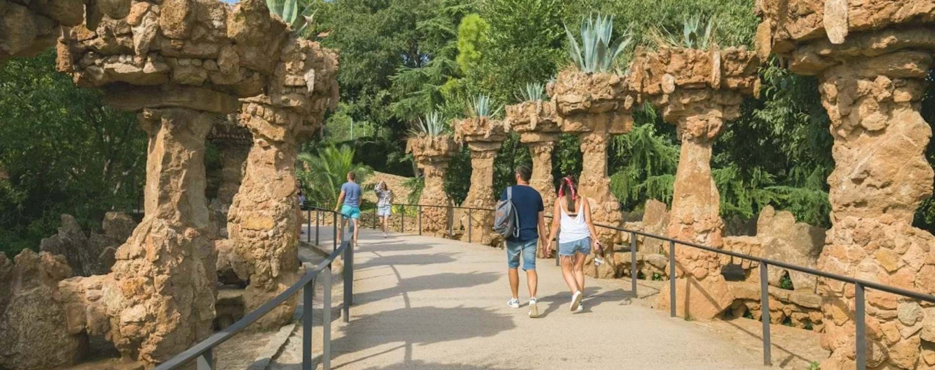 Park Güell Express Tour with Transport from City Center