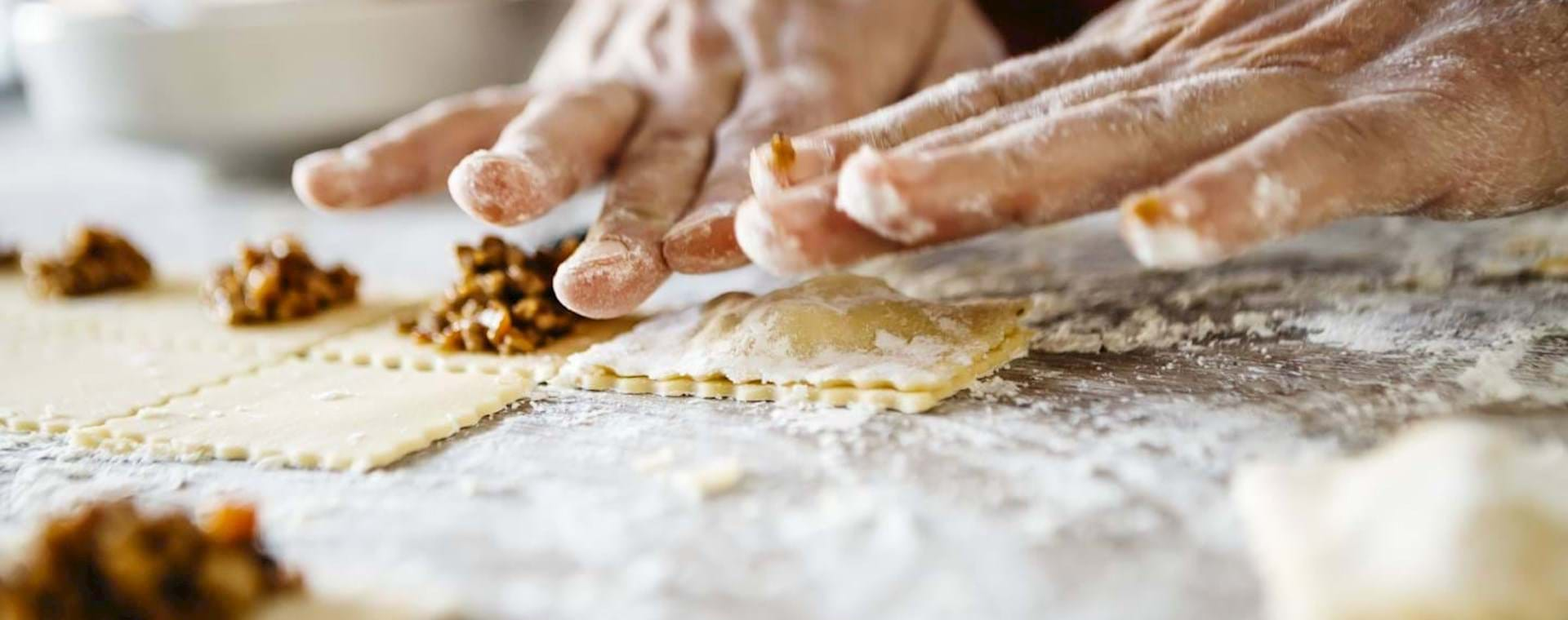 Authentic Italy: Pasta-Making Experience in Traditional Roman Home