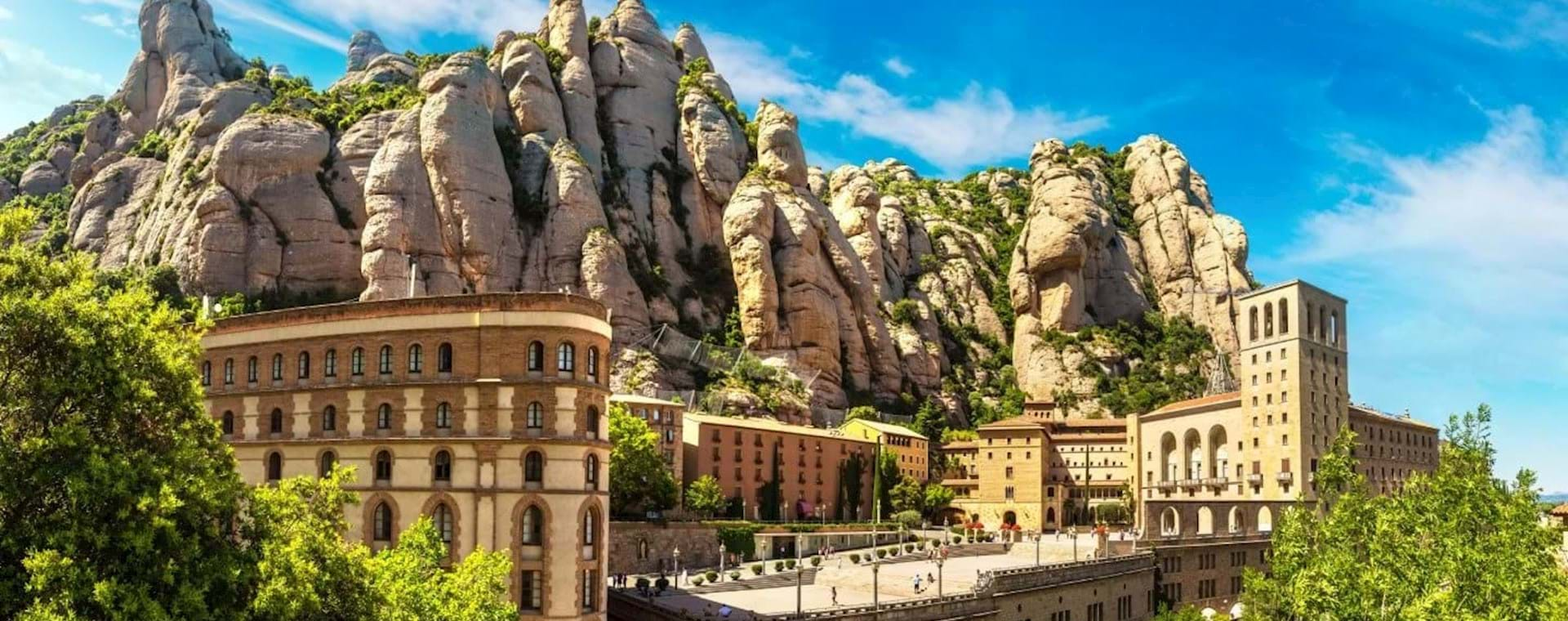Full-Day Combo: Early-Morning Montserrat & Sagrada Família Express
