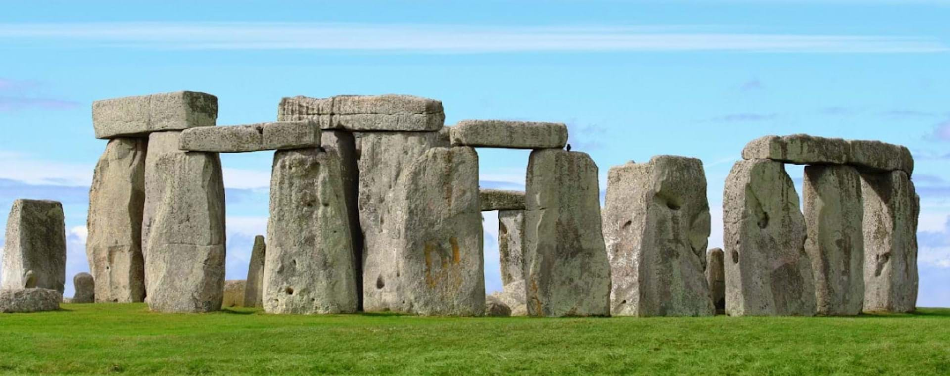 Guided Day Trip: Stonehenge, Bath, & Windsor Castle Tour from London