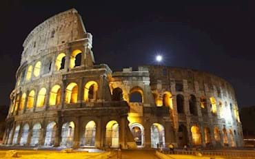 Stunning view of the Colosseum at night