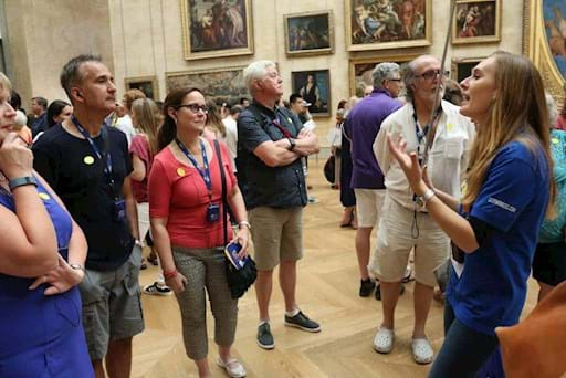 Guided tour inside the Louvre