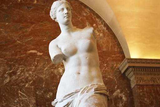 Close view of the Venus de Milo in the Louvre