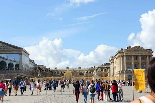 Guided walking tour of the Versailles Palace