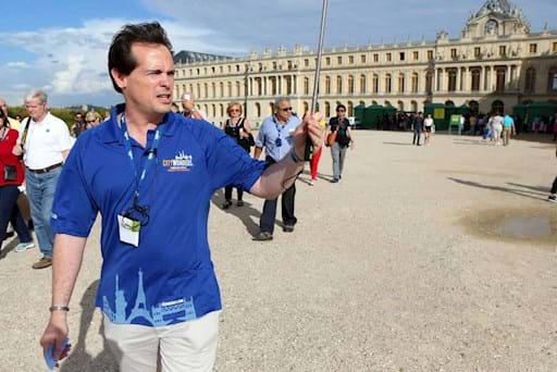 Guided visit outside Versailles Palace