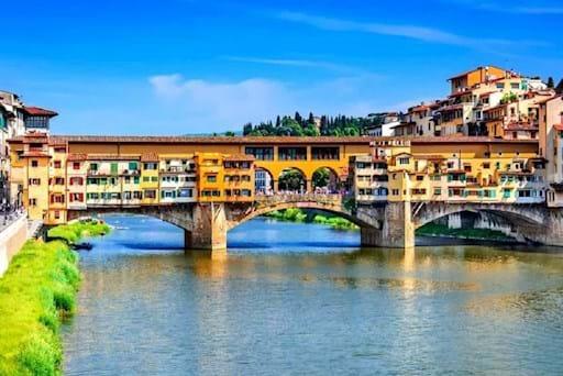 Beautiful view of Ponte Vecchio