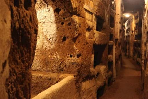 Tunnel in the catacombs of Rome