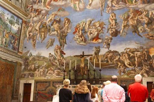 Guided tour in the Sistine Chapel early morning