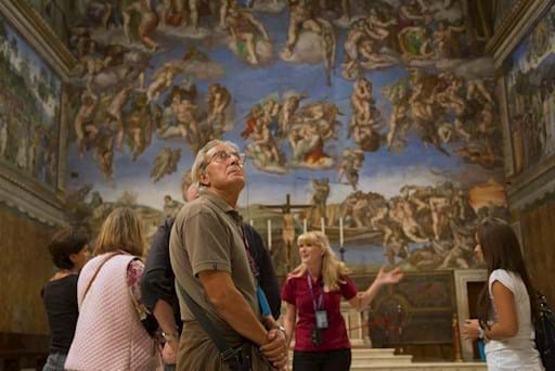 Guided tour of the Sistine chapel at night