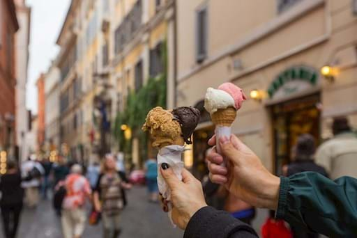 couple eating ice cream in Florence