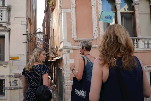 evening walking tour in Venice