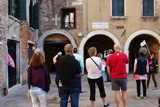 walking tour of the jewish ghetto in venice