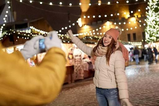 girl having fun during a guided tour in Rome during Christmas