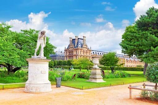 Statue at the Jardin de Tuileries